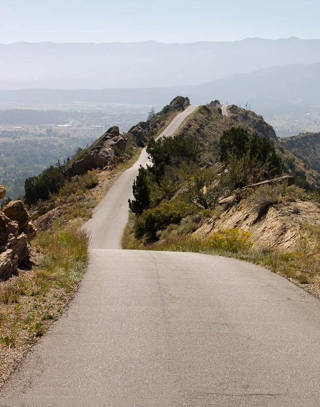Looking down the narrow ridge of Skyline Drive near Cañon City, CO